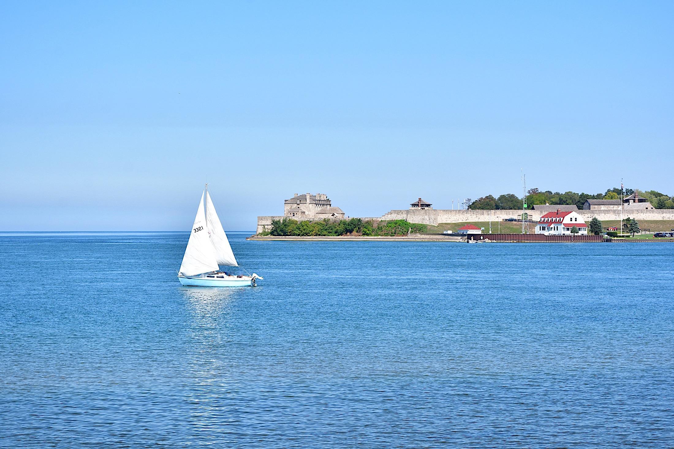 Boat near Niagara on the Lake